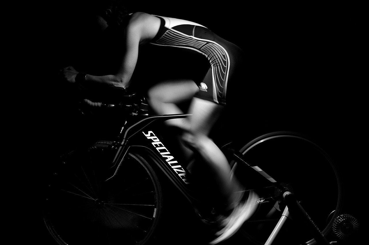 フィットネスバイクでチンコが痺れるのを防ぐ方法